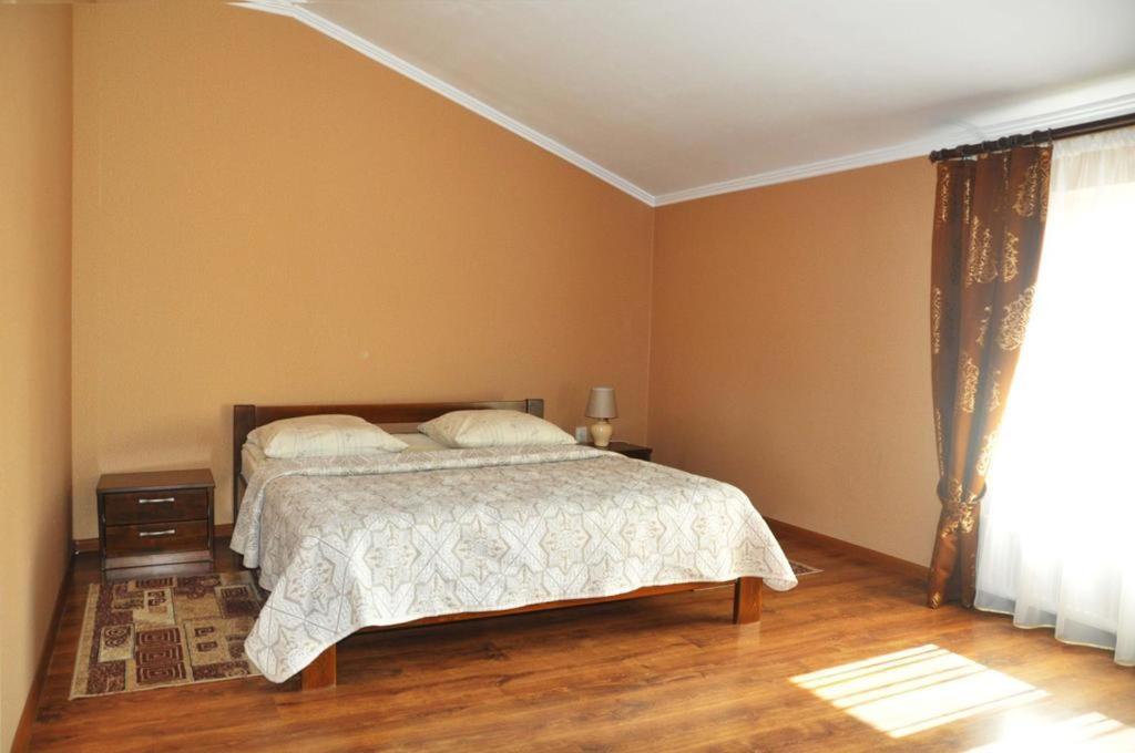 room_Big1_2